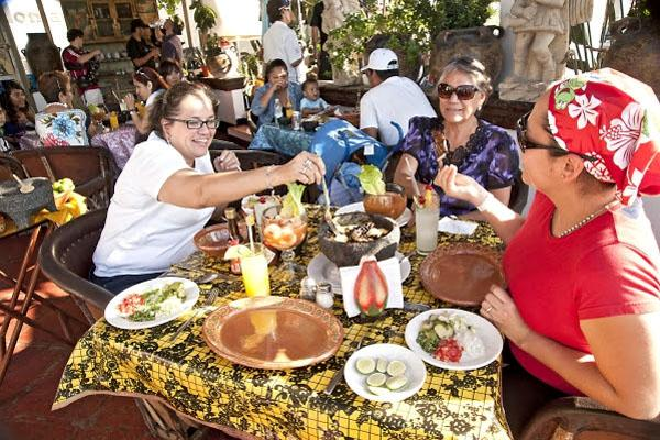 Culinary events and mariachis
